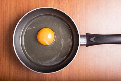 フライパンと卵s.jpg